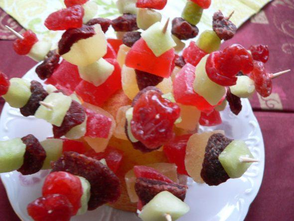 Džiovintų vaisių vėrinukai