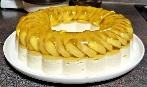 Varškės-bananų tortas