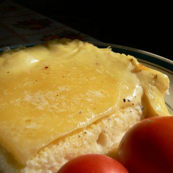 Ramekin'as arba sūrio apkepas