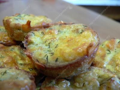 Cukinijų keksiukai su sūriu