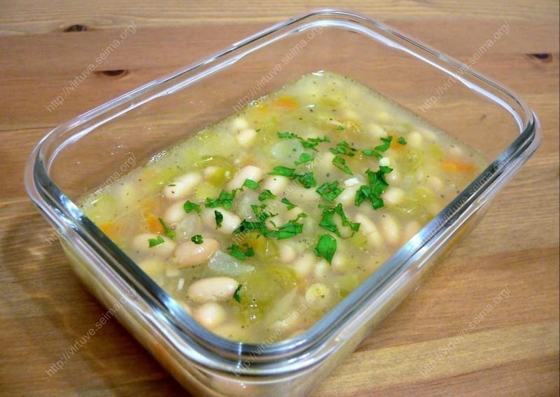 Baltųjų pupelių sriuba