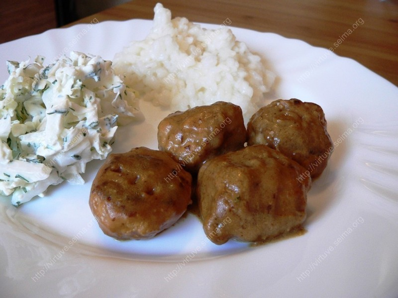 Meat balls with brown sauce