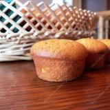 1 1/2 cups all-purpose flour 1 tsp. baking powder 50 g melted butter 1/2 cup milk 200 g pumpkin puree 2 large eggs 100 ml sugar 1 tsp. vanilla 1/2 tsp. salt