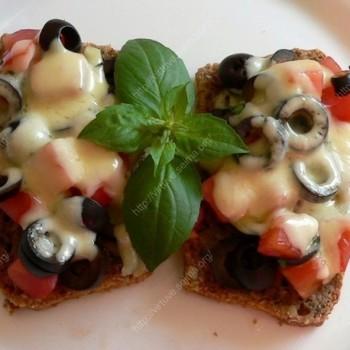 Sumuštiniai su pomidorais ir alyvuogėmis