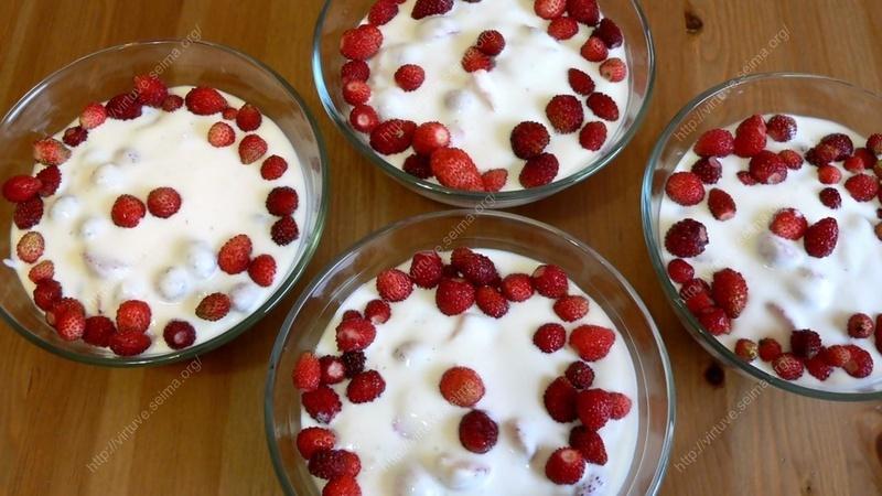 Vaisinis varškės desertas Švelnumas