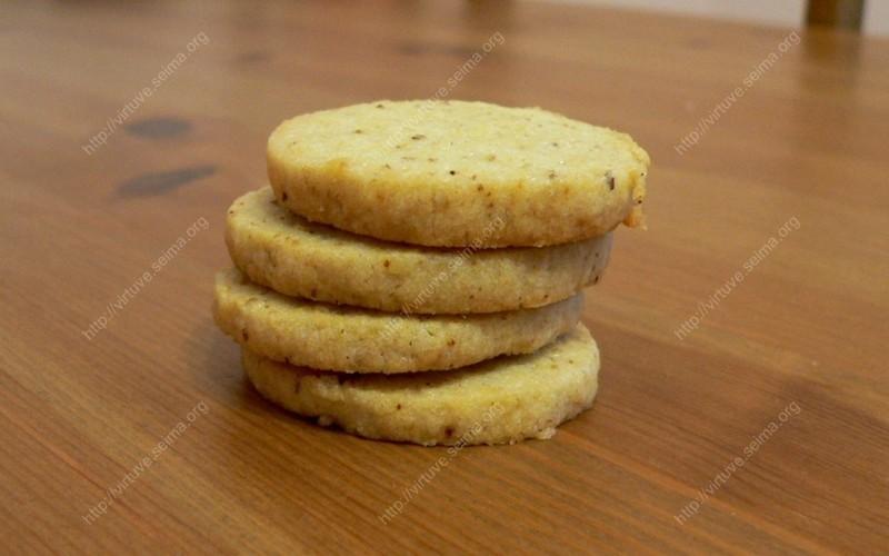 Atšaldytos tešlos sausainiai su graikiniais riešutais