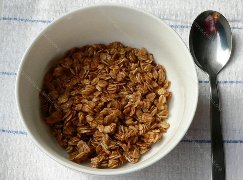 Granola with honey