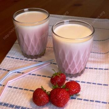 Braškių pienas