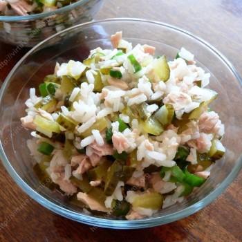Ryžių salotos su tunu