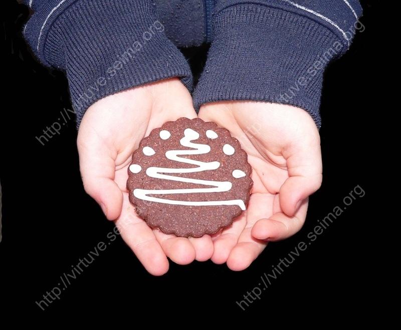 Šokoladiniai sviestiniai sausainiai