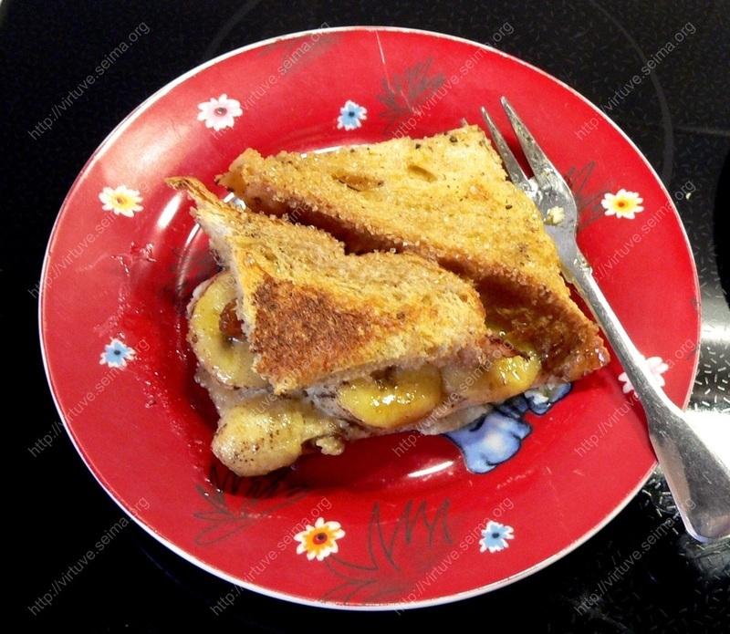 Bananų-duonos pudingas