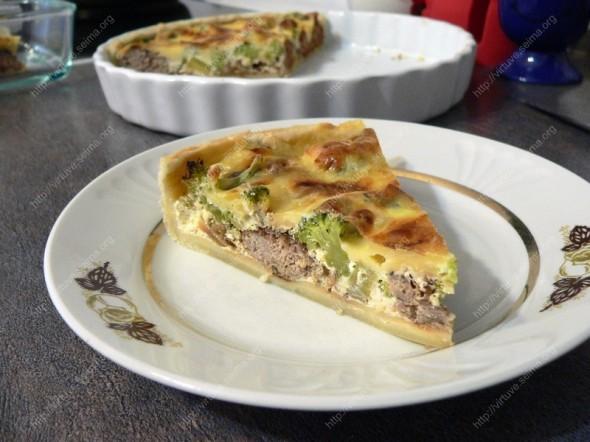 Faršo ir brokolių pyragas