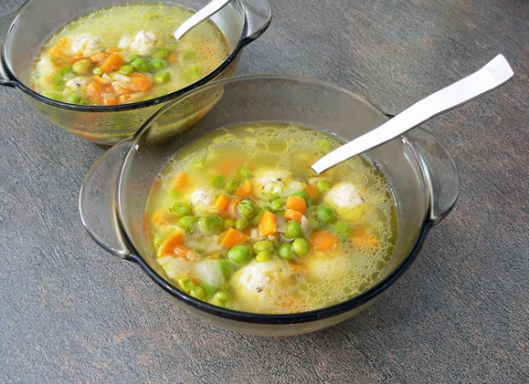 Vaikiška ryžių sriuba su žirneliais
