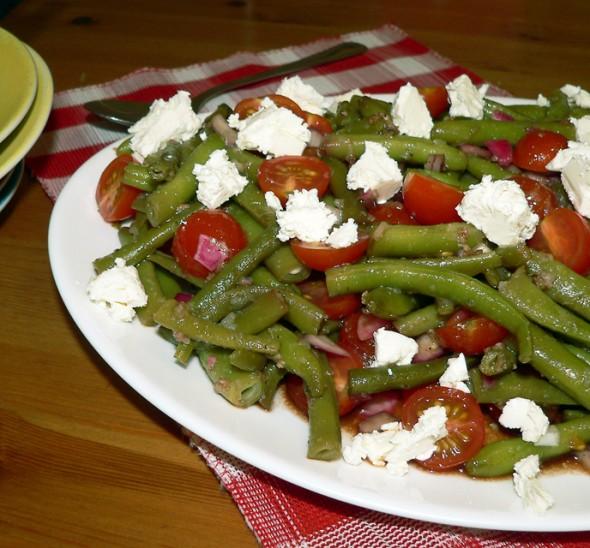 Balzaminės šparaginių pupelių salotos