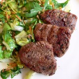 Pork medallions in Maggi Papyrus with healthy salads