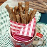 Rye bread sticks with flaxseeds