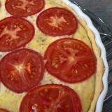 Tuna pie with tomatoes
