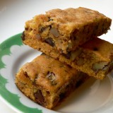 Pumpkin Blondies with chocolate and pecans