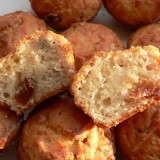 Oat muffins with dried fruits