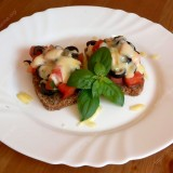 Sandwiches with tomatoes and olives