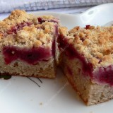 Cherry coffee cake with cinnamon
