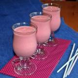 Strawberry smoothie with quinoa