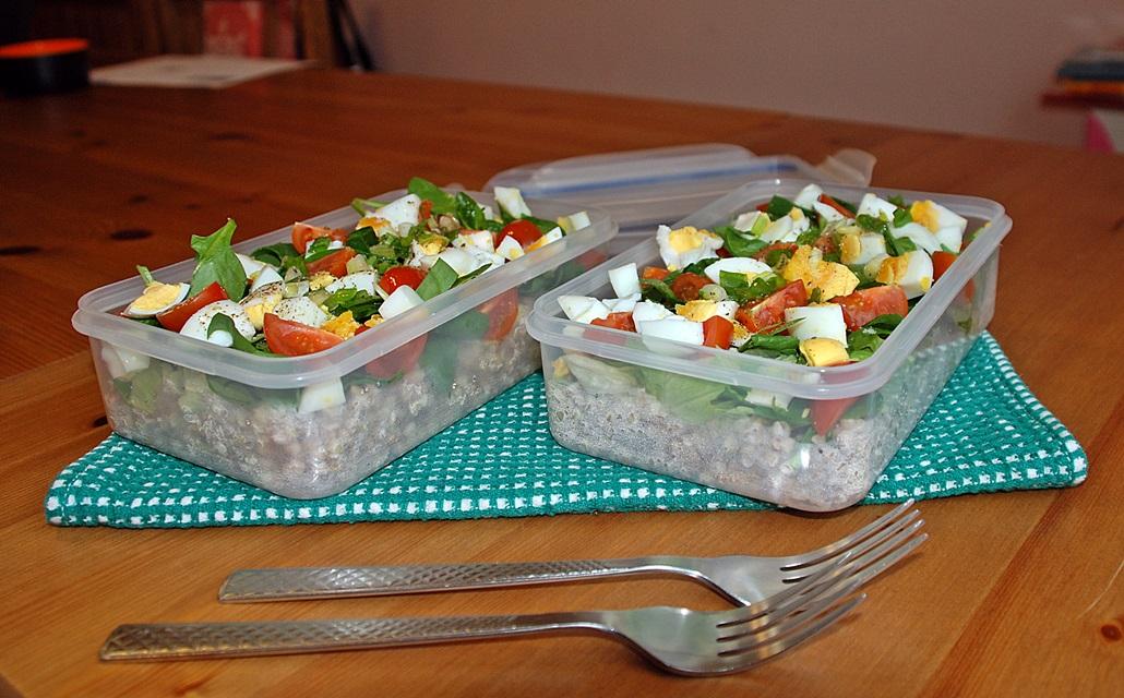 Grikių salotos pietums į darbą