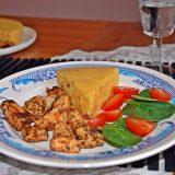 Vengriška vištiena su polenta