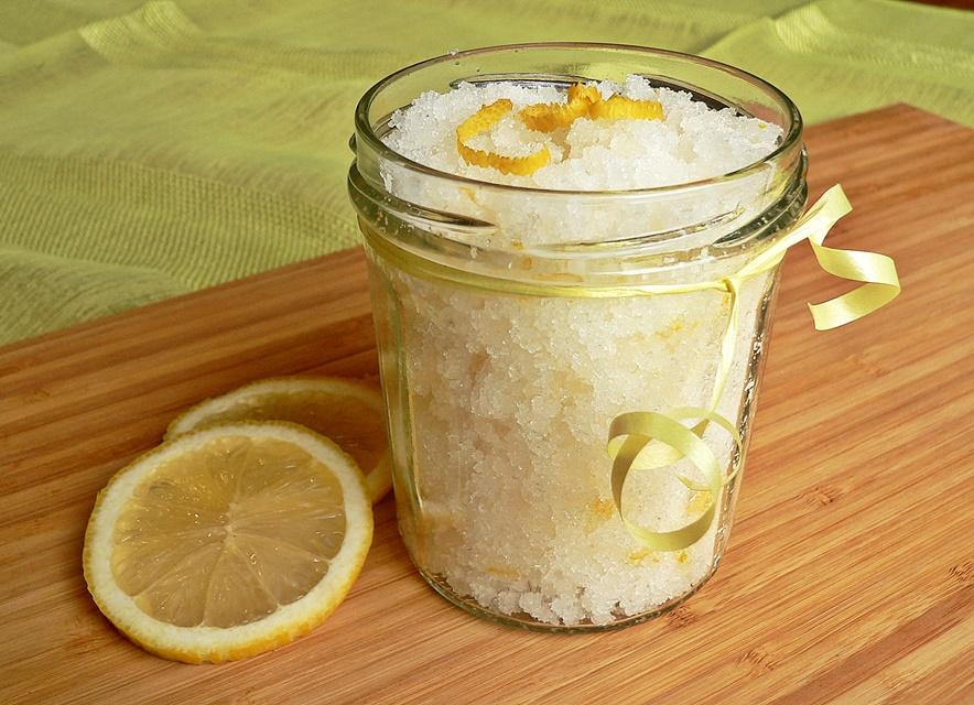 Cukraus kūno šveitiklis su citrina