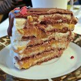Nekeptas sausainių tortas su persikais